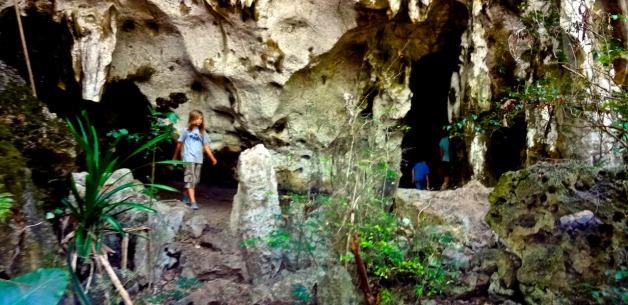 Creative Learning & Exploring: Hiking Talofofo Caves