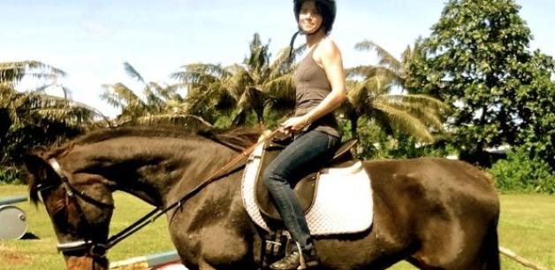 Creative Adventures: Horseback Riding & Bonfires + A Cat Adopted Us